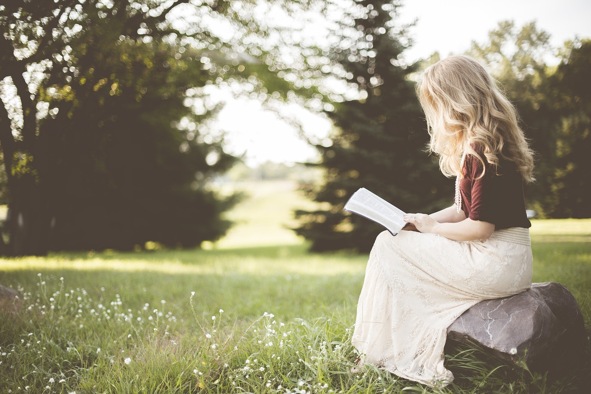 knjiga, 10 knjiga koje svaka žena treba da pročita: Promeniće vam život!